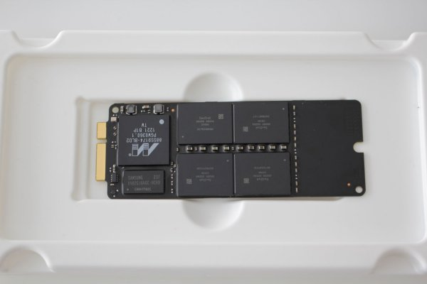 256GB SSD - Apple MacBook Pro Retina A1425 und A1398 Mid 2012 - Early 2013 661-6486